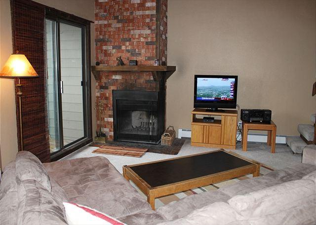 TH304E Choice Condo w/Wifi, Clubhouse, Mountain Views - Image 1 - Silverthorne - rentals