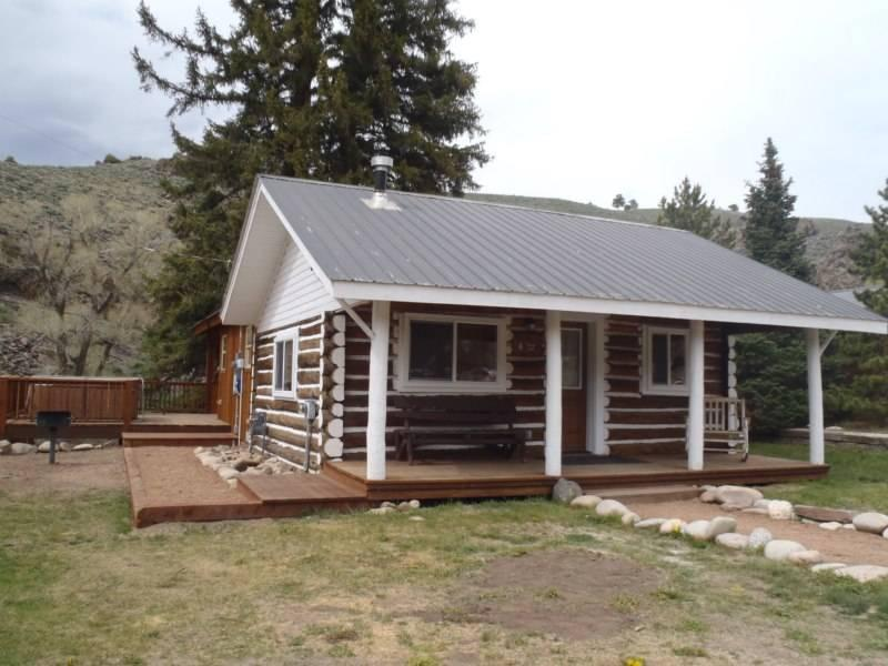 Beautiful 2 BR Cabin on the River at Three Rivers Resort in Almont (#6) - Image 1 - Almont - rentals