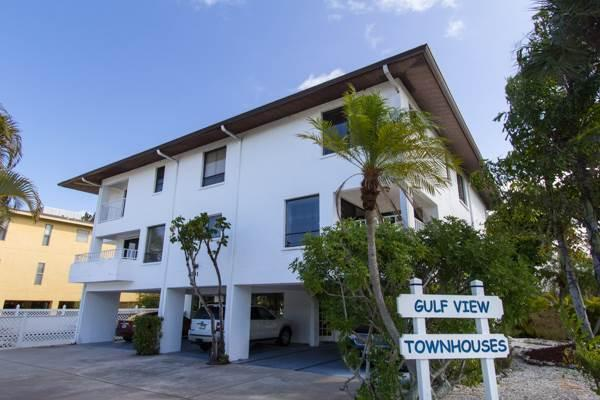 Gulfview Townhomes 1 - Image 1 - Holmes Beach - rentals