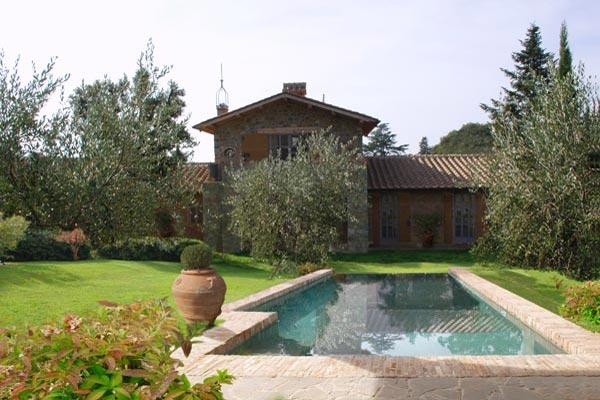 Included with your stay on this hamlet, enjoy an olive oil tasting organized by the hamlet's farm. Enjoy the hamlet's private restaurant, as well. HII LEC - Image 1 - Florence - rentals