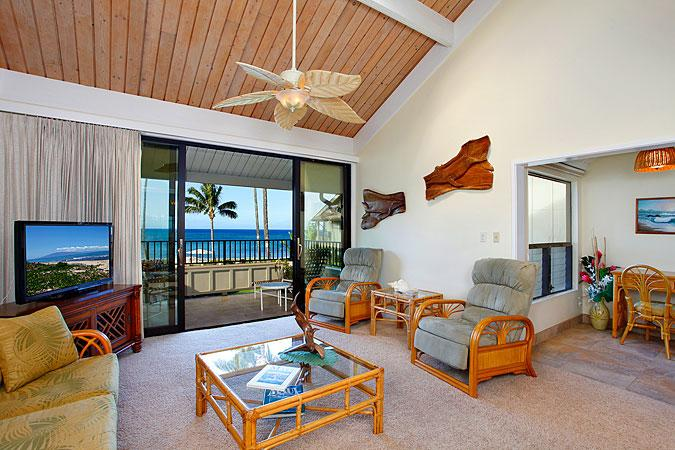 Ocean Front 2 Bedroom Deluxe Condo Unit 15 - Image 1 - Lahaina - rentals