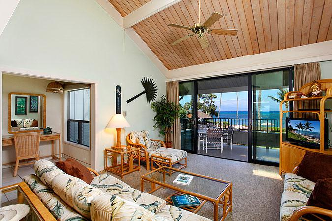 Ocean Front 2 Bedroom Standard Condo Unit 16 - Image 1 - Lahaina - rentals