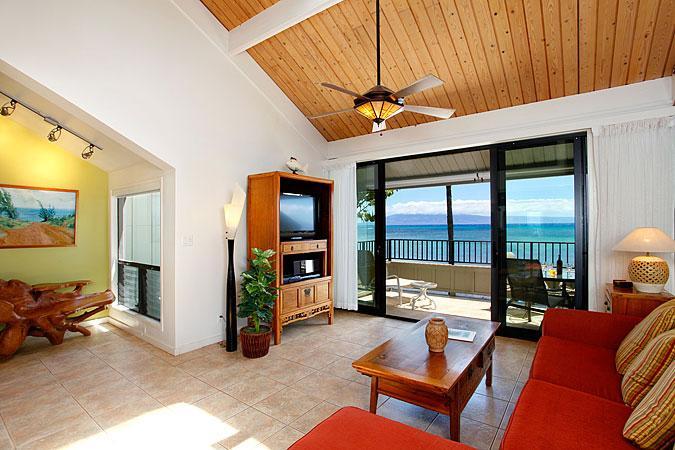 Ocean Front Prime 2 Bedroom Luxury Condo Unit 28 - Image 1 - Lahaina - rentals