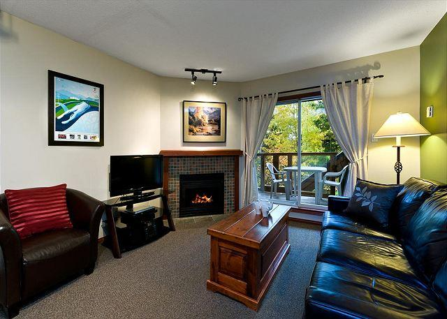 58 living area - 58 Glaciers Reach this 1br home has a hot tub & pool in Whistler Village - Whistler - rentals