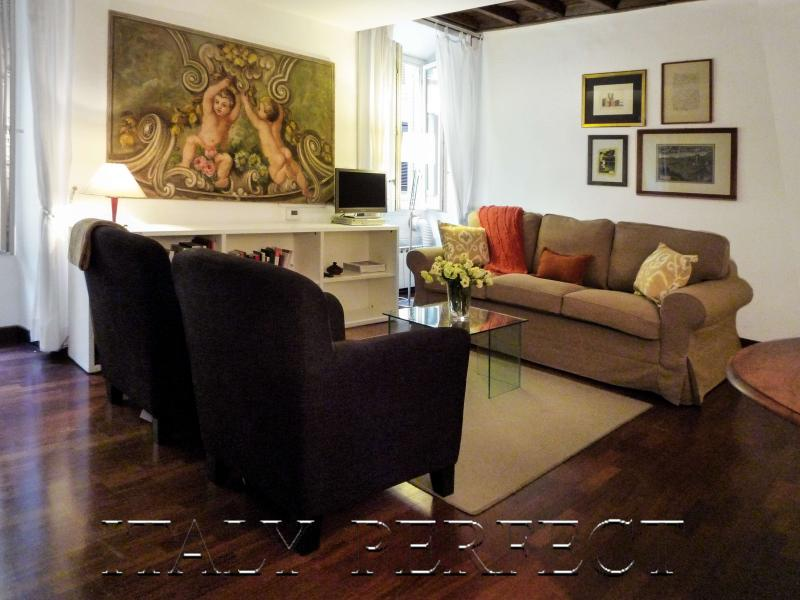 Perfect Spanish Steps-Darling Decor-Nice Small Street-A/C-WiFi-Bellina Apartment - Image 1 - Rome - rentals