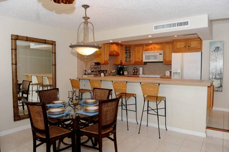 2BR condo with beautiful ocean views #11 - Image 1 - Seven Mile Beach - rentals
