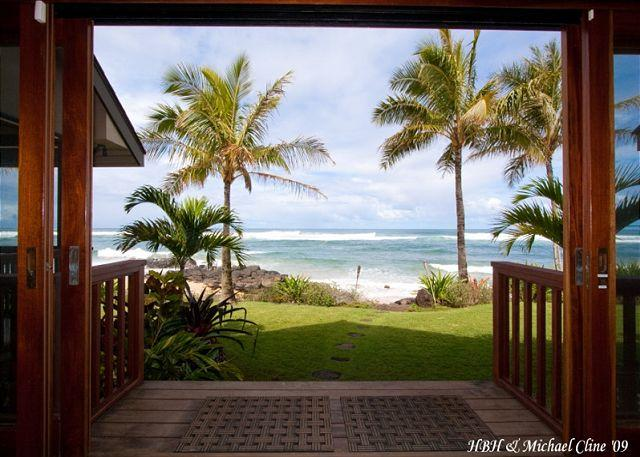 Absolute Luxury on Sublime North Shore Beach, for groups that expect the best - Image 1 - Hauula - rentals