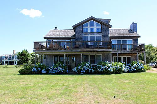 1183 - COUNTRY CONTEMPORARY WITHIN THE SOUND OF THE OCEAN WAVES! - Image 1 - Edgartown - rentals