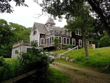 1275 - BEAUTIFUL POST AND BEAM HOME WITH WATERVIEWS OF LOBSTERVILLE BEACH - Image 1 - Gay Head - rentals
