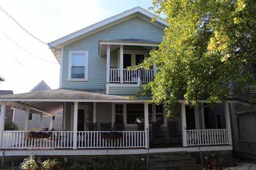 1490 - CLASSIC, VINTAGE,GINGERBREAD - Image 1 - Oak Bluffs - rentals