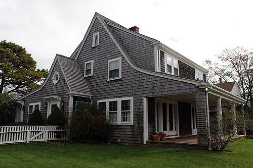 214 - IN-TOWN EDGARTOWN HOME WITHIN WALKING DISTANCE TO TOWN AND THE HOME HAS CENTRAL AIR CONDITIONG - Image 1 - Edgartown - rentals