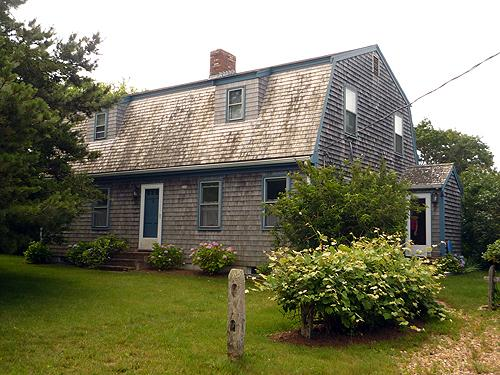 315 - LOVELY KATAMA HOME LOCATED CLOSE TO BIKE PATH AND SOUTH BEACH - Image 1 - Edgartown - rentals