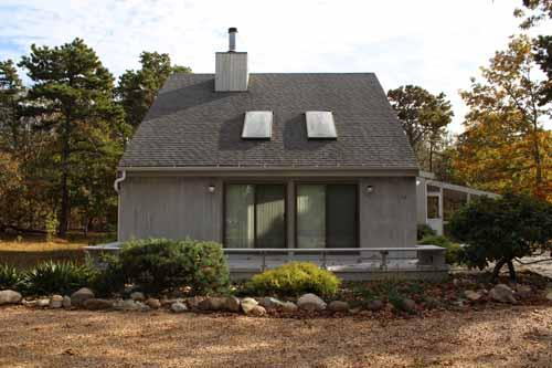 726 - LOVELY KATAMA HOME WITH SCREENED PORCH PERFECT FOR RELAXING AND DINING - Image 1 - Edgartown - rentals
