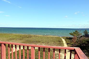 "792 - Casual ""Beach "" House with Glorious Views of Vineyard Sound - Image 1 - Gay Head - rentals"