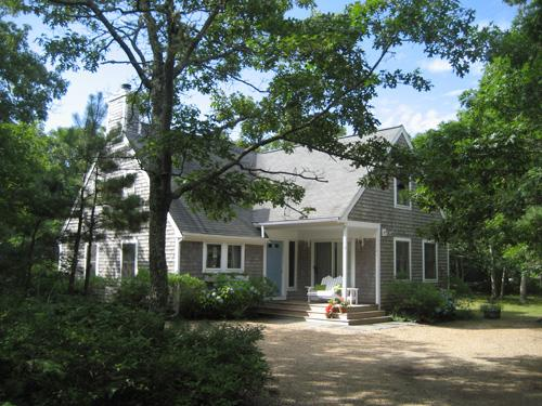 817 - LIGHT-FILLED CONTEMPORARY CAPE CLOSE TO THE BIKE PATH - Image 1 - Edgartown - rentals