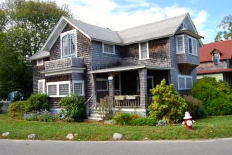 845 - CLASSIC AND CHARMING COTTAGE WALKING DISTANCE TO THE BEACH AND TOWN - Image 1 - Oak Bluffs - rentals