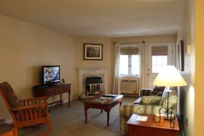 Spacious 1BR condo with balcony, fireplace 235C - Image 1 - Lincoln - rentals
