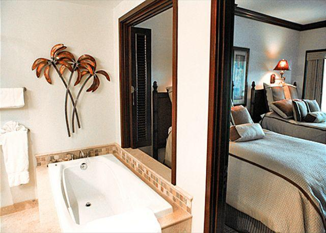 Bathroom and Bedroom - *****AVIS CAR Inc.***** Top Floor VALUE!! 3 beds** Call NOW**  Mountain views - Kapaa - rentals