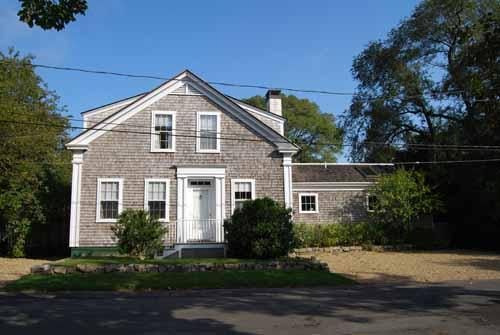 49 - WONDERFUL 1900 SEA CAPTAINS HOUSE JUST A SHORT WALK TO EDGARTOWN - Image 1 - Edgartown - rentals
