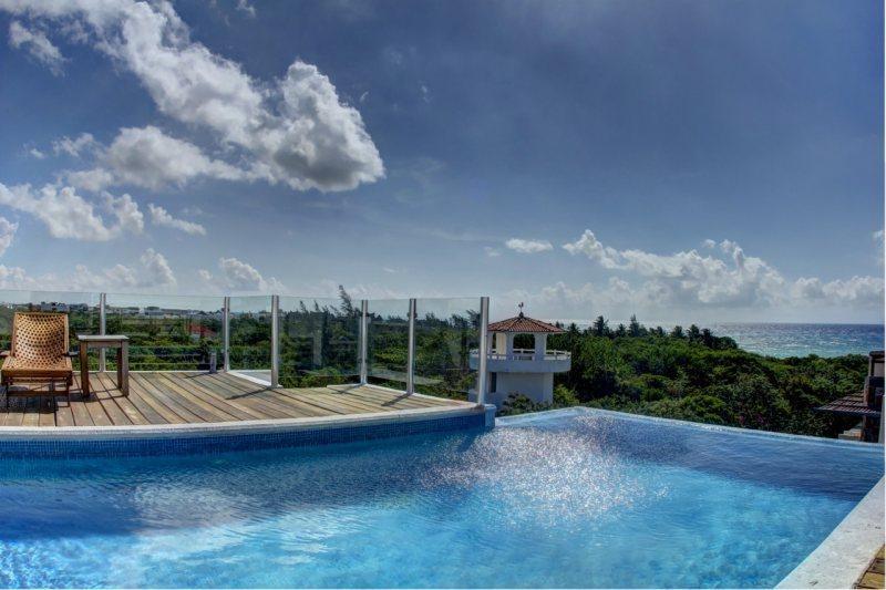 Amazing 2 Bedroom Condo in Playa del Carmen (LV6) - Image 1 - Playa del Carmen - rentals