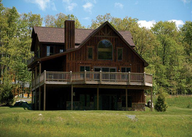 Exterior - Luxurious & Private Mountain Home with Hot tub! - McHenry - rentals