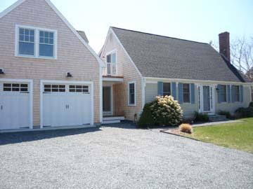 1539 - SPACIOUS, ATTRACTIVE HOME BEAUTIFULLY LAID OUT FOR YOUR FAMILY VACATION - Image 1 - Edgartown - rentals