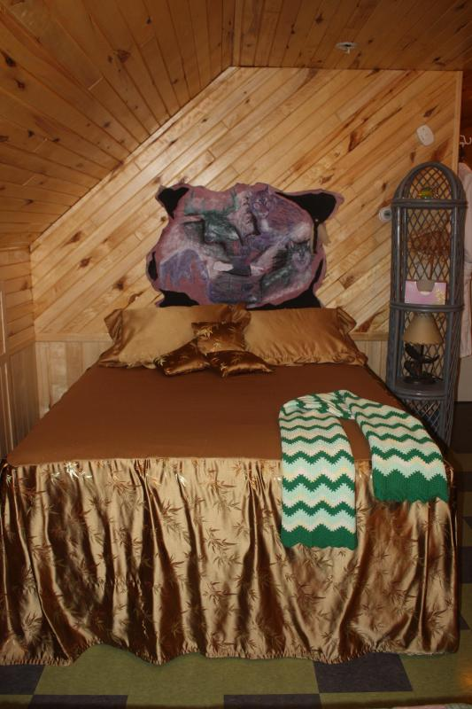1 pillow top queen - LAKE SIDE GUEST HOUSE QUIET FISHING - Squaw Lake - rentals