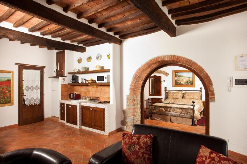 living and kitchen - La Mucchia casa vacanze (Suite honeymoon 2) - Cortona - rentals