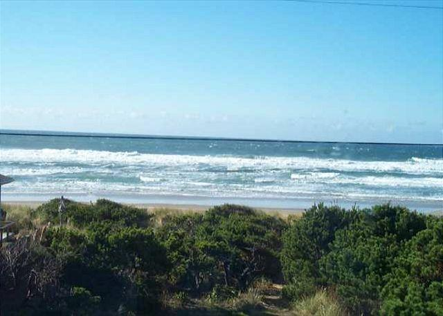 Ocean View - ELBOW'S ~Enjoy the view from this historic coastal home!!! - Rockaway Beach - rentals
