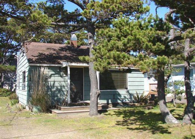 Street View - MERMAID ~Enjoy the great location close to town, beach and the park!! - Manzanita - rentals
