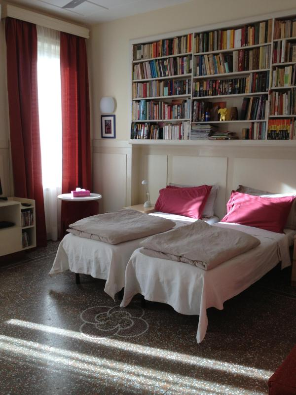 Sunny second bedroom - The Minerva Apartment - AC *Jacuzzi *wifi *design - Rome - rentals
