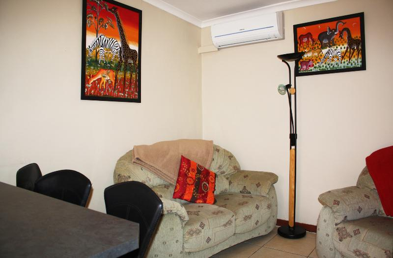 Lounge / dining area - Malleson Garden Cottage: Self-catering cottage - Cape Town - rentals
