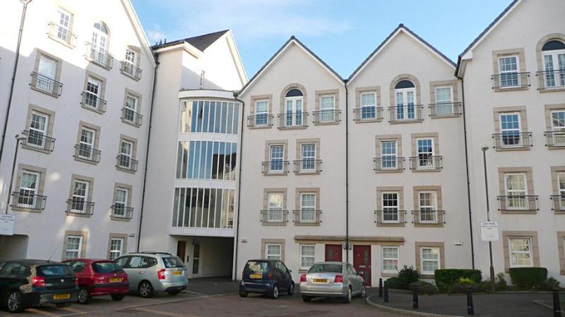 Square One apartment - Square One apartment, 2 bedrooms, parking - Edinburgh - rentals