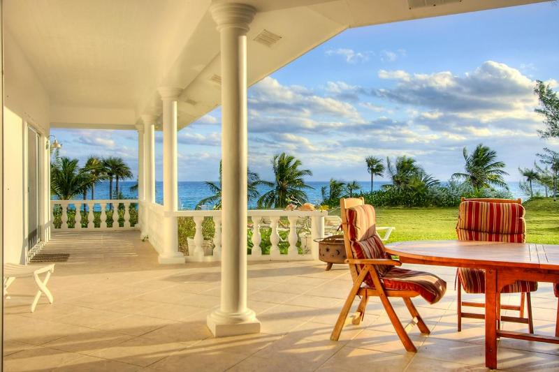 Outdoor Patio with Ocean View - Seven Palms - Eleuthera - rentals