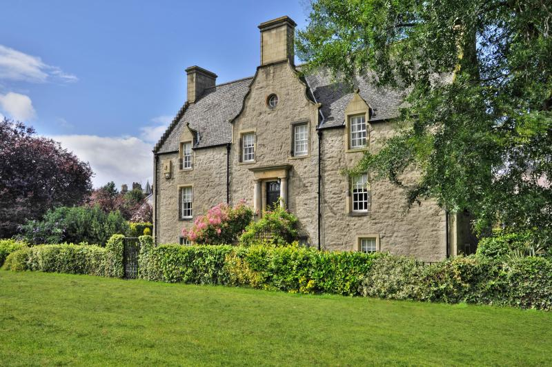 Pilrig House - A house with a distinguished history and a literary connection - Pilrig House Award-Winning Garden Apartment - Edinburgh - rentals