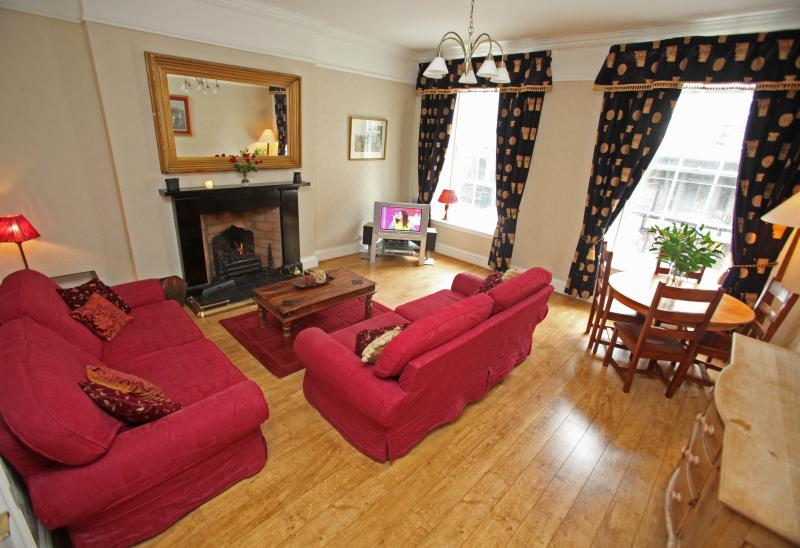 Blair St 1, just off Royal Mile - Image 1 - Edinburgh - rentals