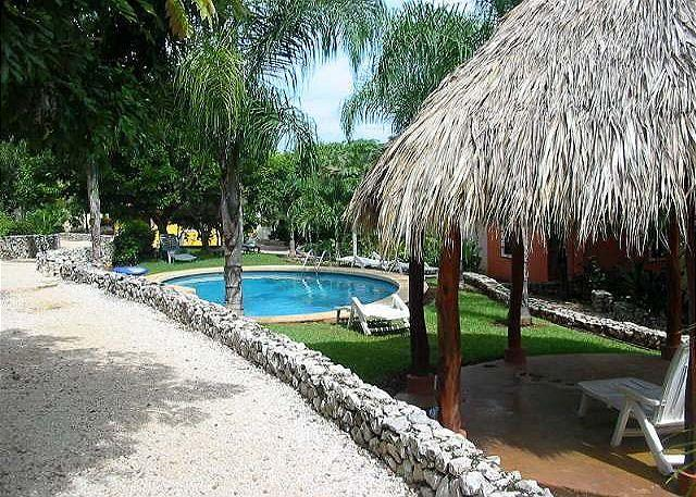 Grounds - Beautiful, quiet condo-10 min walk to beach and town, a/c, shared pool, cable - Tamarindo - rentals