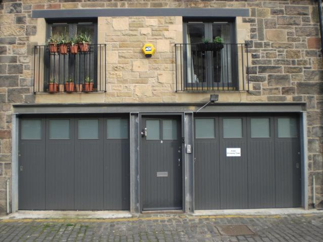 mews house on right - CityCentre MewsHouse BroughtonPlaceLaneParkingWiFi - Edinburgh - rentals