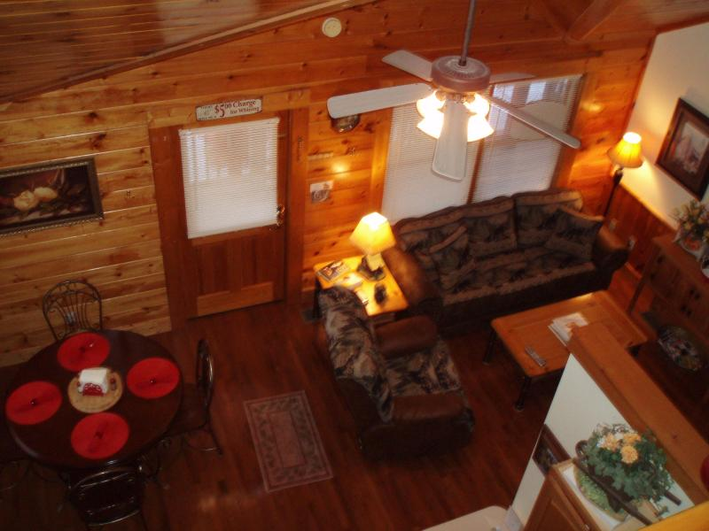 Dining living areas - Got It All Yall Cabin, hot tub,Mtn Views,gas grill - Pigeon Forge - rentals