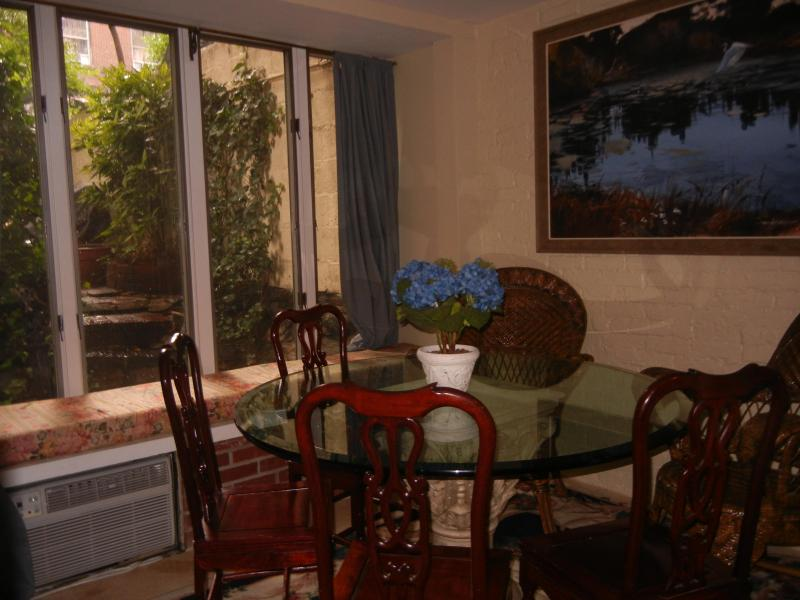 Sunny Dining Room Overlooks Your Private Garden - Center City Garden Apart Choose 1 or 3 Bedrooms, - New York City - rentals