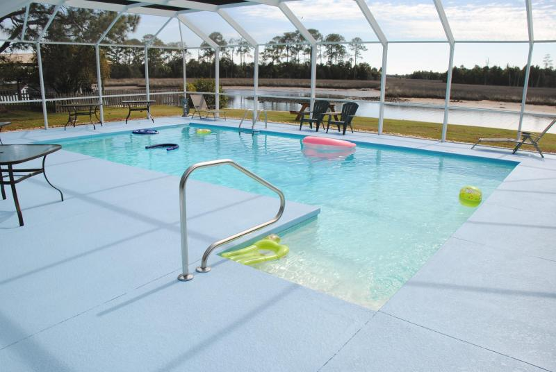 Fun for all at the oversize heated pool - Waterfront Manatee House - Crystal River - rentals