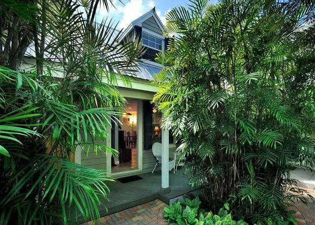 """BERMUDA SUITE"" - 2-Story Home w/ Shared Pool 1/2 Block To Duval St! Sleeps 4 - Image 1 - Key West - rentals"