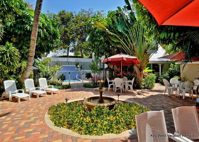 Courtyard and pool area - Andros Suite - Lovely 'Old Town' Townhouse w/ Beautiful Surroundings - Key West - rentals