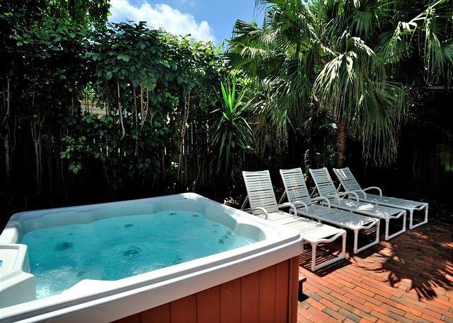 Hot tub Area With Patio Loungers - Hemingway's View- KW Home In Great Location Decked Viranda and Hot Tub - Key West - rentals
