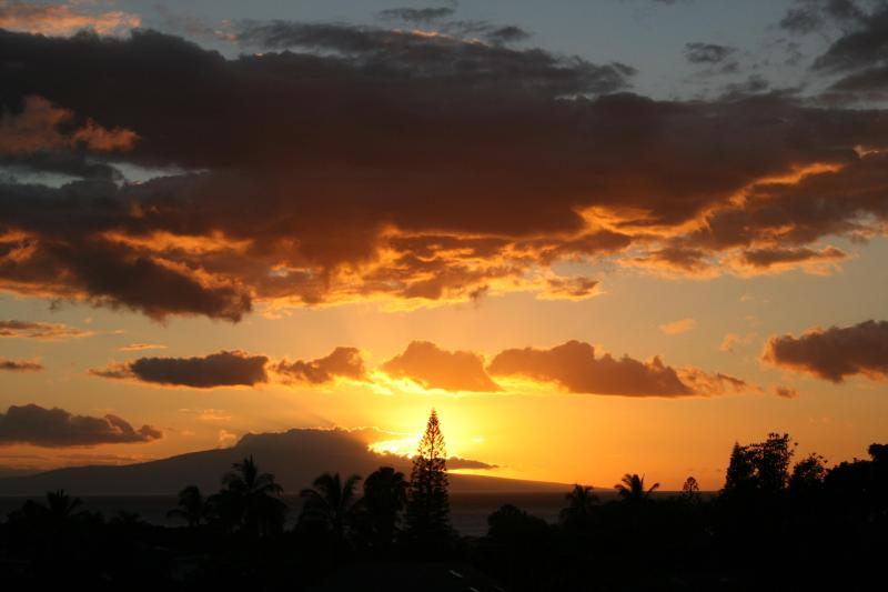 Amazing Sunsets...No extra charge! - GC-166, Ocean Views, Beach Gear, Remodeled. - Wailea - rentals