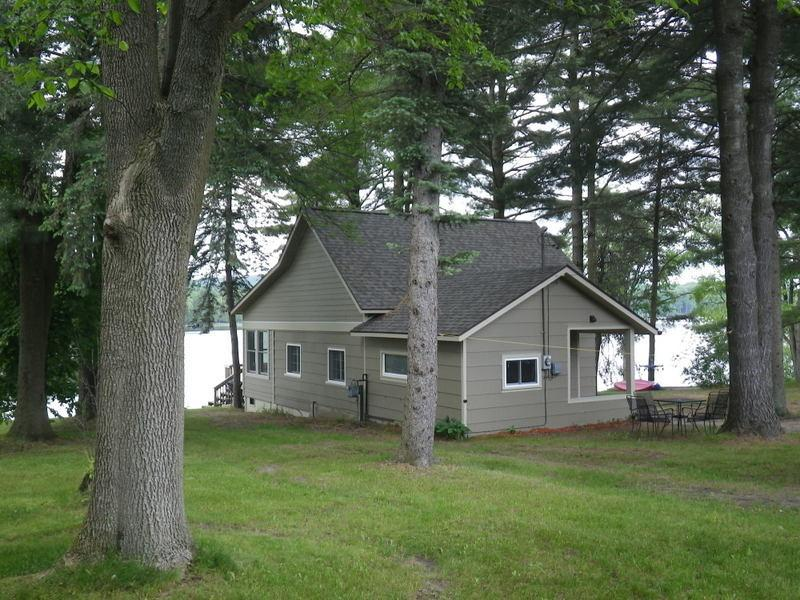 Classic Up-North Cottage on Intermediate Lake - Image 1 - Central Lake - rentals
