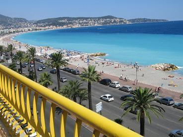 view from terrace on 5 th floor - APARTMENT ON 5 TH FLOOR WITH BEST VIEWS ON THE PROMENADE  DES ANGLAIS IN NICE - Nice - rentals