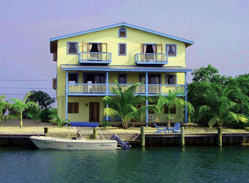 Enjoy decks and  the north side decks and dock - Decked Out House, Family Friendly, Dock, 1 to 6 bd - Placencia - rentals