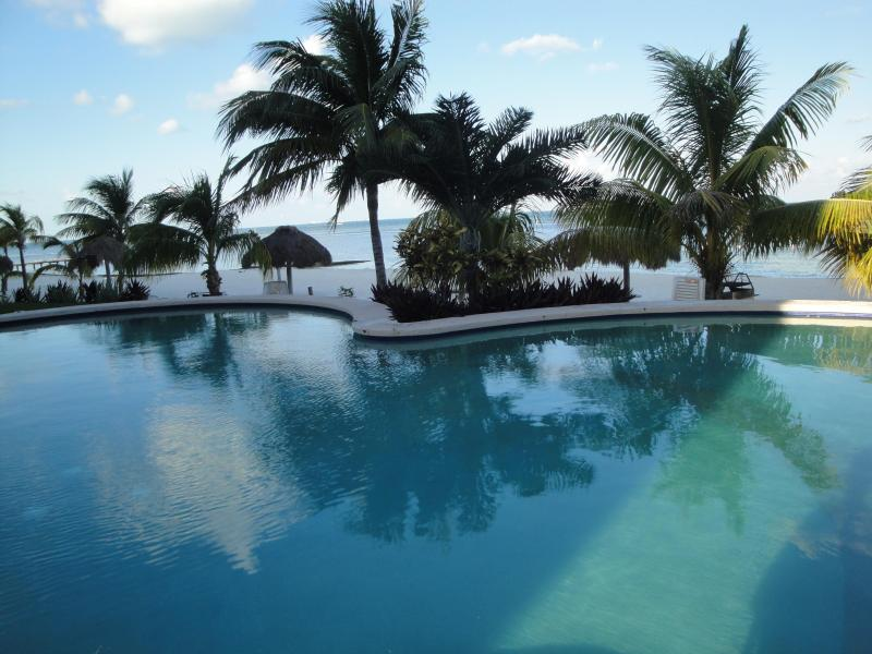 Welcome to Paradise! - Private Beachfront Condo in Cancun's Hotel Zone - Cancun - rentals