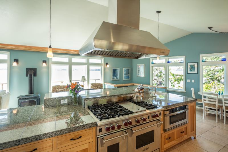 Bodega Bay Bird Watch kitchen - BIRDWATCH at land's end w/water views to horizon - Bodega Bay - rentals